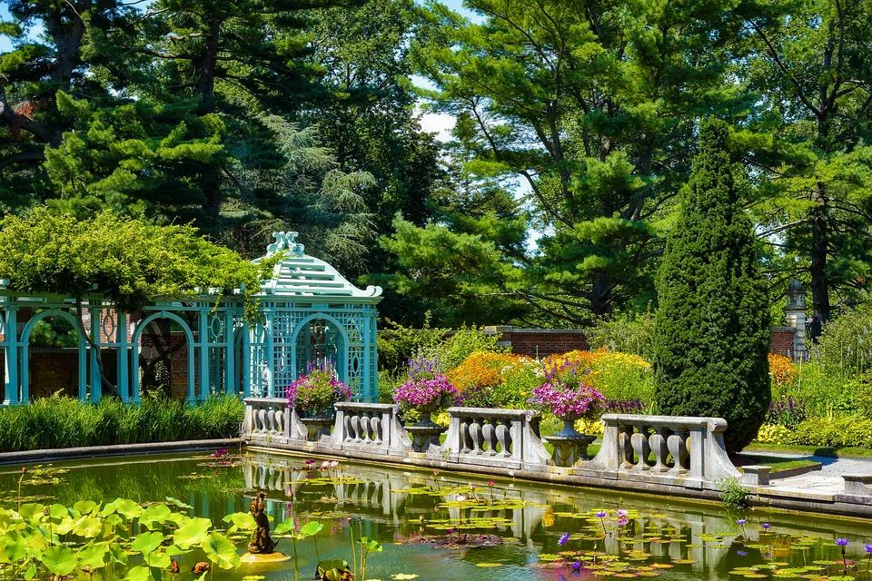 Gartendekorationen im Freien – machen Sie Ihren Garten eleganter